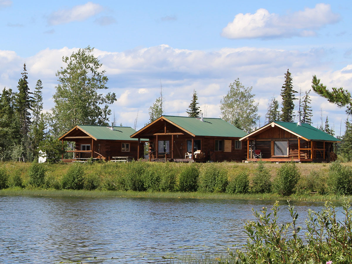 Lakefront accommodations at Batnuni Lake